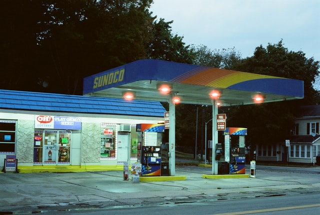 Droom betekenis van een benzinestation