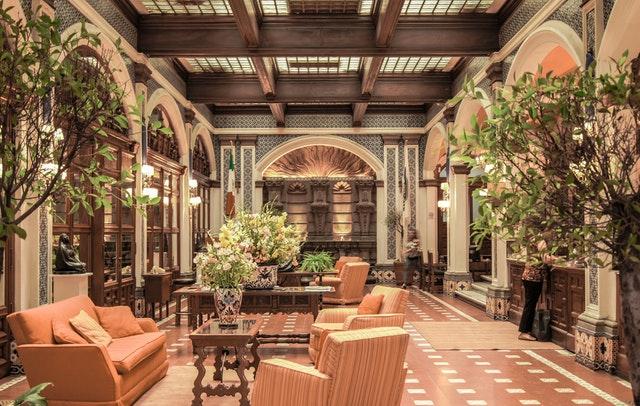 Droom betekenis van een hotel