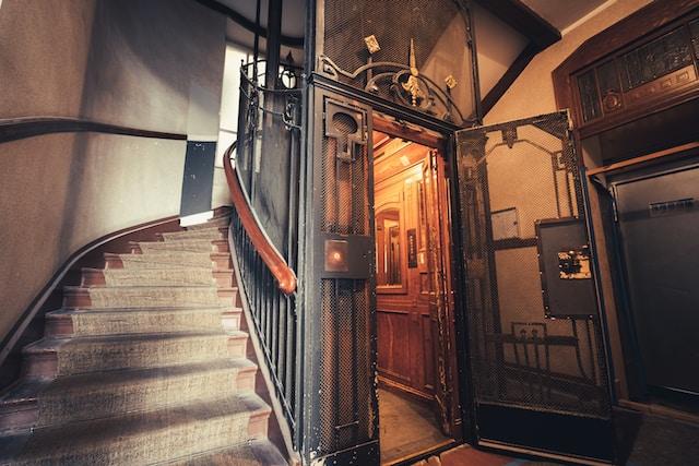 Droom betekenis van een lift