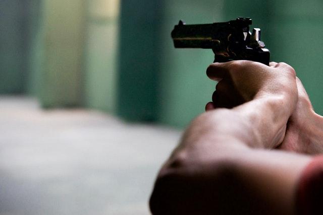 Droom betekenis van een pistool
