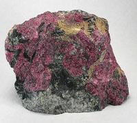 Eudialiet stenen